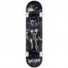 Značkový, snadno ovladatelný skateboard pro všechny kategorie jezdců. Určen pro jízdu ve skateparku a pro provádění všech běžných triků. Deska délky 78,5 cm a šířky 19 cm. Hmotnost skateboardu: 2190 g